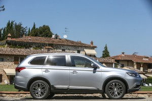nuovo-mitsubishi-outlander-as3y1343-2