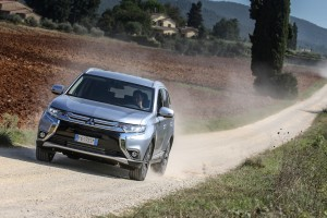 nuovo-mitsubishi-outlander-as3y1657-2