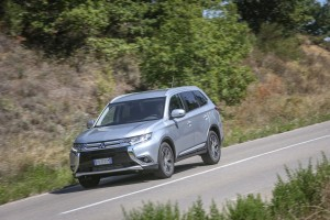 nuovo-mitsubishi-outlander-as3y4601-2-2