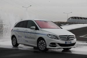 Mercedes-Benz_Classe_B_Electric_Drive_Tour_(96)